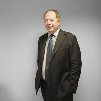 Photographie du professeur Leveneur, directeur du M2 Droit Privé Général d'Assas.